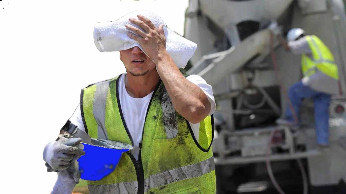 Как заботятся о нашей безопасности труда? или как организованы рабочие места в кабинетах и мастерских